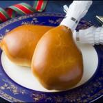 クリスマスにもピッタリ!本物そっくりのオムライスパンとチキンパン