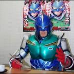 人気コミック『クレヨンしんちゃん』から飛び出した「アクション仮面」にインタビュー
