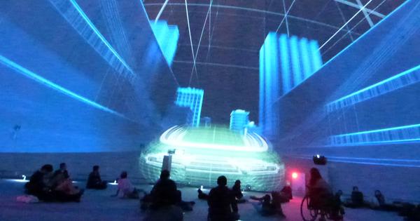 ドーム内で、6つの未来像が体験できる