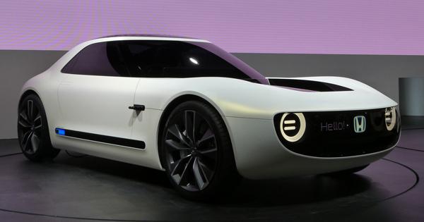 ノスタルジックな造形の「Honda Sports EV Concept」