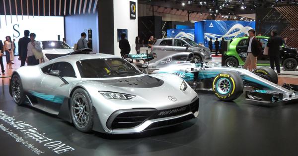 F1エンジンを搭載する公道モデル「Project ONE」とF1